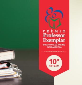 Prêmio Professor Exemplar Professores - alunos foram contemplados com o prêmio do Instituto Rubens Meneghetti