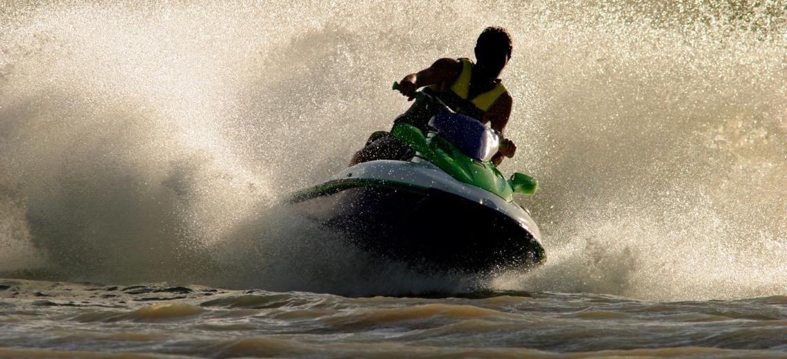 Riviera XIII sediará curso para quem deseja conduzir barco a motor, a vela ou jet-ski
