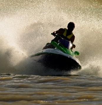 Riviera XIII sediará curso para quem deseja conduzir barco a motor, à vela ou jet-ski
