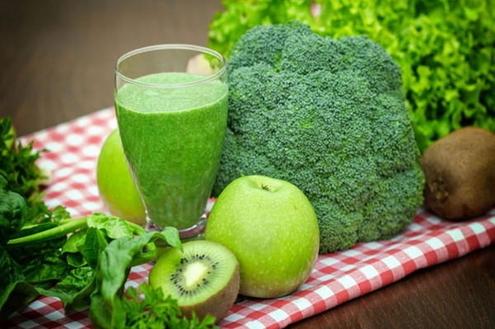 Benefícios do poderoso suco verde