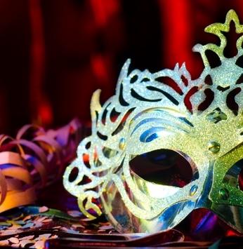 Abram alas que o Carnaval da Momentum quer passar!