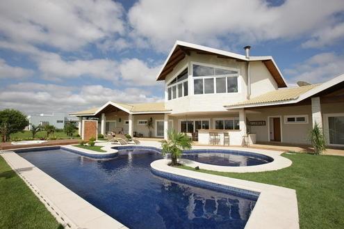 A beleza das piscinas na arquitetura da casa