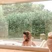 Quem disse que não dá pra cuidar do seu corpo nos dias mais frios? Você merece um banho de imersão quentinho e relaxante do Acqua Spa & Pools 🧖♀️ 📸: @lily_caetano