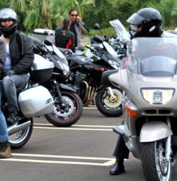 Casais de motociclistas visitam o SPA do Santa Bárbara Resort Residence