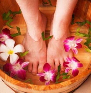 Relaxe com escalda-pés