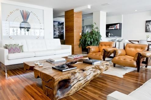 Móveis de madeira maciça