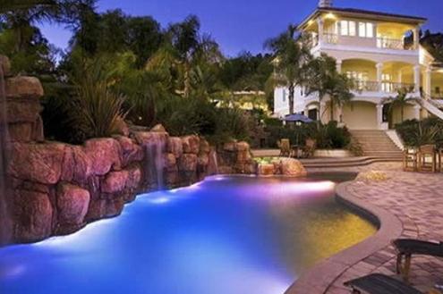 Iluminação em piscinas