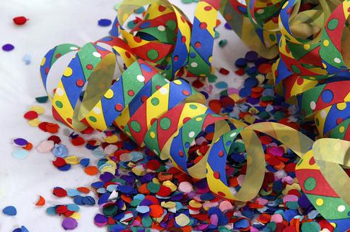 Só alegria! Festa de Carnaval embala foliões no Ninho Verde I